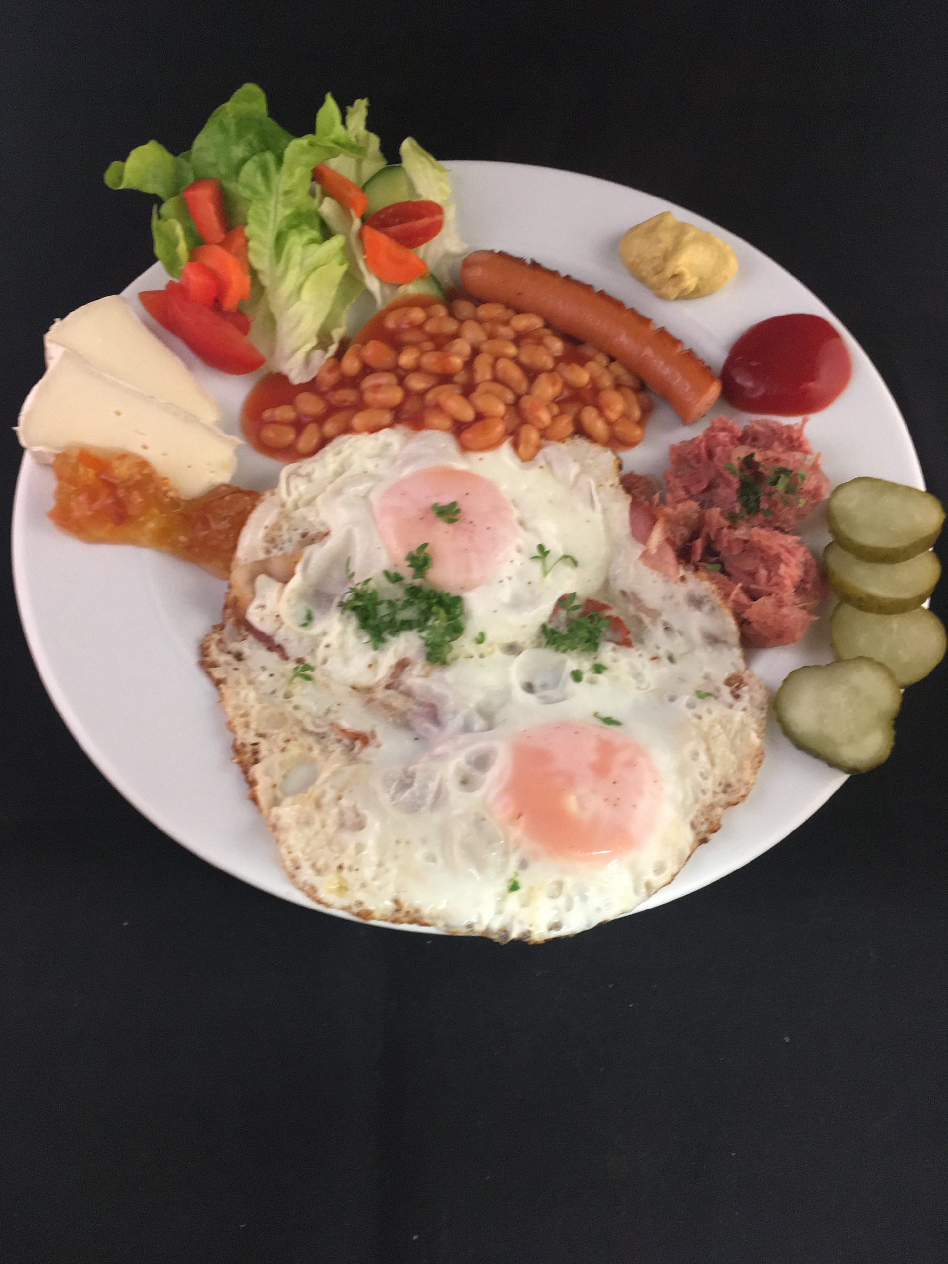 'Tommy , englisches Frühstück